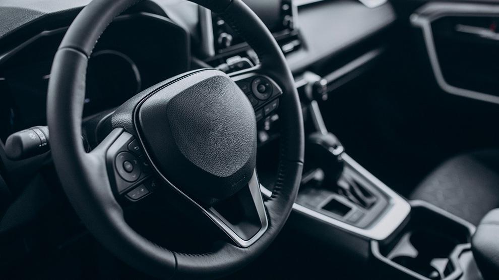 Co należy koniecznie ująć w umowie kupna-sprzedaży samochodu?